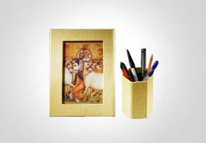 Pen Holder and Photo Frame made of Paper
